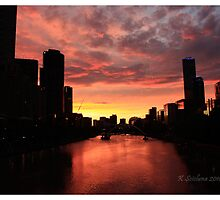 Melbourne at dusk by bluetaipan