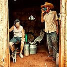 Cuban farmer and his wife by Henny Boogert