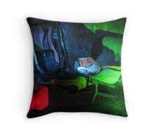 18.12.2011: Glow in the Dark Throw Pillow
