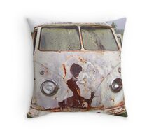 Old Rusty VW Kombi Throw Pillow
