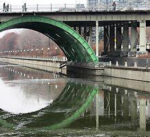 laurier bridge by Bruce Miller
