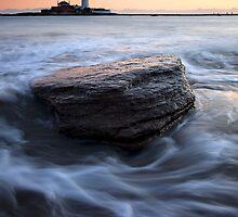 St Mary's Lighthouse by SteveMG