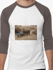 Landrover vs the river Men's Baseball ¾ T-Shirt
