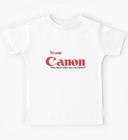 """Team Canon! - """"why nikon when you can CANON?"""" Kids Tee"""