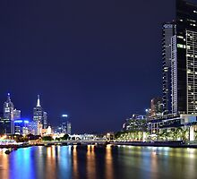 Melbourne at Night 0346 by Kayla Halleur