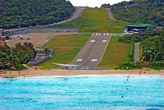Short Landing Strip by Roland Pozo