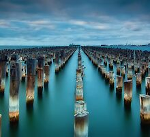Princes Pier-5 by hangingpixels