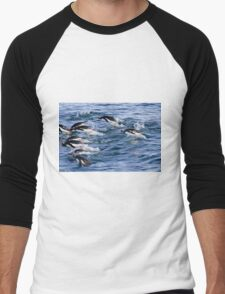 Gentoo penguins (Pygoscelis papua). swimming in the ocean Men's Baseball ¾ T-Shirt