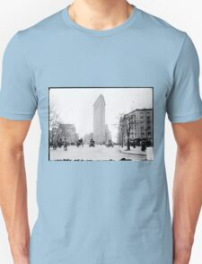 Vintage Photograph of The NYC Flat Iron Building T-Shirt