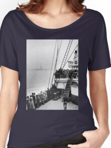 Immigrants Viewing The Statue of Liberty Photo Women's Relaxed Fit T-Shirt