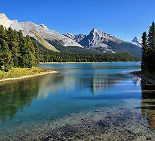 Maligne Lake, Jasper NP by Teresa Zieba