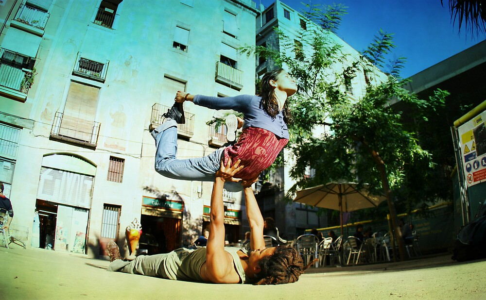 Acroyoga in the streets of Barcelona  by Wari Om  Yoga Photography