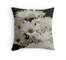 Daisy Flowers 7083 Throw Pillow