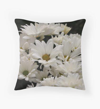 Daisy Flowers 7083 Throw Pillow