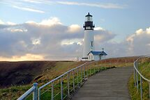 Yaquina Head Lighthouse by Jennifer Hulbert-Hortman