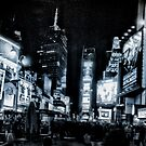Times Square (b&w) by Robin Lee