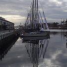 7.30am - Hobart docks (Tasmania) by gaylene