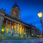 Leeds Town Hall at Dusk by Ian Wray