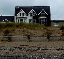 Beach Side Houses, West End, Pwllheli by greatoutdoors