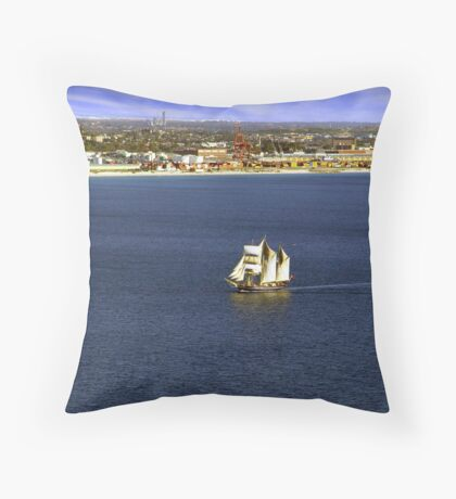 STS Leeuwin II Throw Pillow