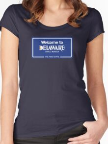 Welcome to Delaware, Road Sign, USA  Women's Fitted Scoop T-Shirt