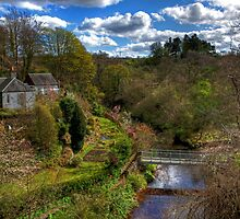 Linhouse Water by Tom Gomez