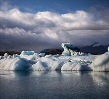 Sunlighted glaciar by Béla Török