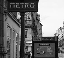Paris: The Metro, Entrance Hotel de Ville by FotoMarg