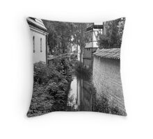 Simply cityscape Throw Pillow