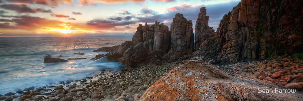 Horizon Burst - The Pinnacles, Phillip Island by Sean Farrow