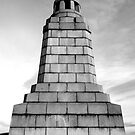 Dundee Law Monument by dgscotland