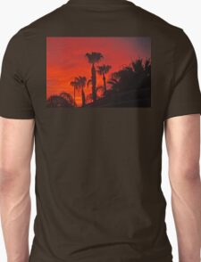 PALM TREES SILOHETTED AGAINST A STORMY RED SKY Unisex T-Shirt