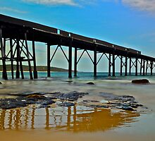 Derelict Pier. by Julie  White