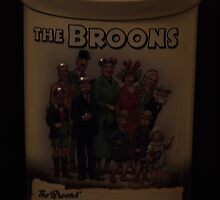 The Broons  75th anniversary tin by pater54