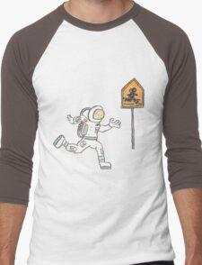 Astronaut Crossing Men's Baseball ¾ T-Shirt
