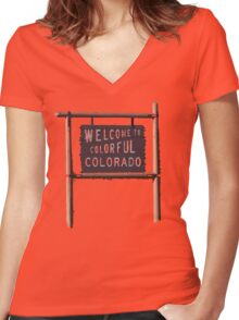 welcome to colorful colorado Women's Fitted V-Neck T-Shirt