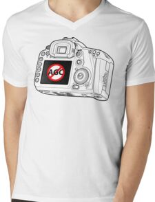Canon 7D with AGC disable Mens V-Neck T-Shirt