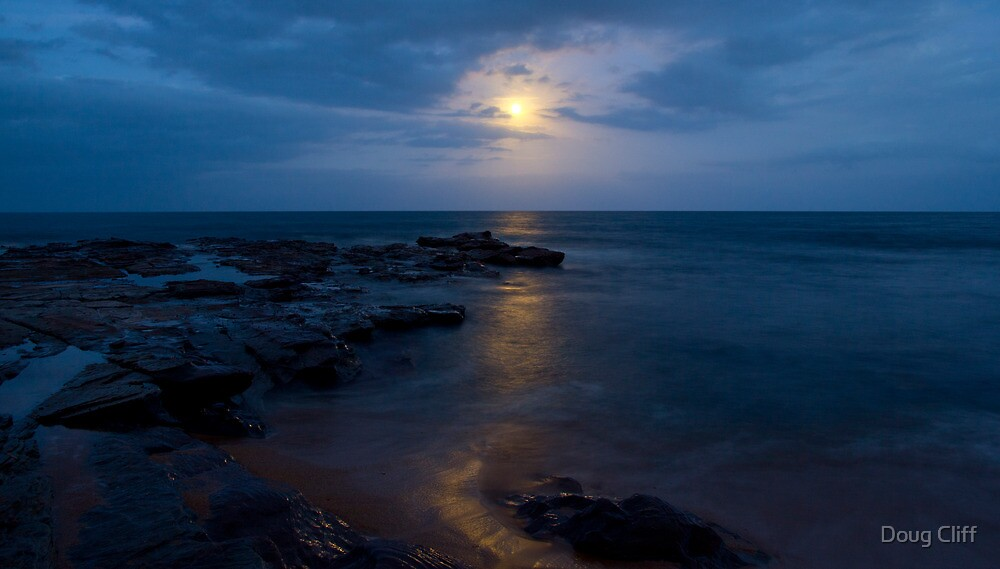 Long reef moonrise by Doug Cliff