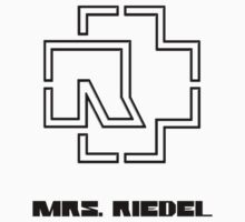 Mrs. Riedel by lasarack