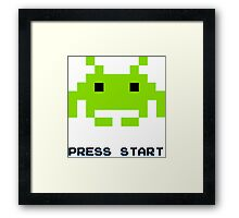 SPACE INVADERS RETRO PRESS START ARCADE TSHIRT Framed Print