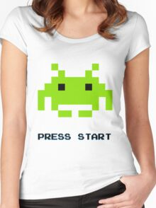 SPACE INVADERS RETRO PRESS START ARCADE TSHIRT Women's Fitted Scoop T-Shirt