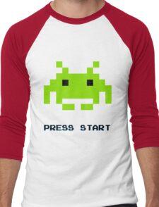 SPACE INVADERS RETRO PRESS START ARCADE TSHIRT Men's Baseball ¾ T-Shirt