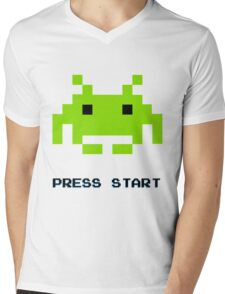 SPACE INVADERS RETRO PRESS START ARCADE TSHIRT Mens V-Neck T-Shirt