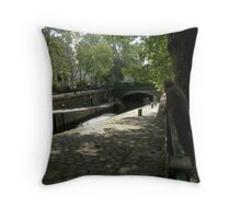lazy summers day Throw Pillow