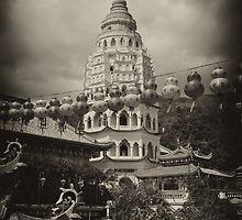 Kek Lok Si Pagoda by S T