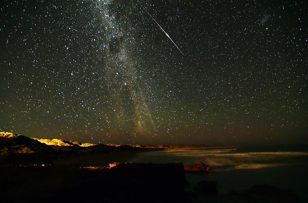 Comet Lovejoy with Iridium Flare by Wayne England