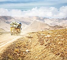 Dusty Ride to Mount Everest by ieatstars