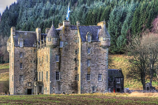 Castle Menzies by Tom Gomez