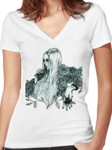 art 1 Women's Fitted V-Neck T-Shirt