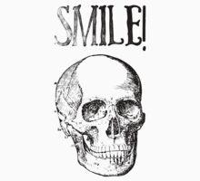 Smile! Smiling skull Kids Tee